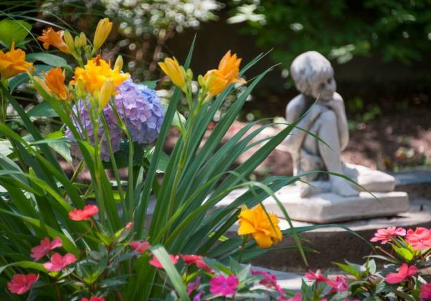 Troy Hidden Garden Tour photo by Tamara Hansen